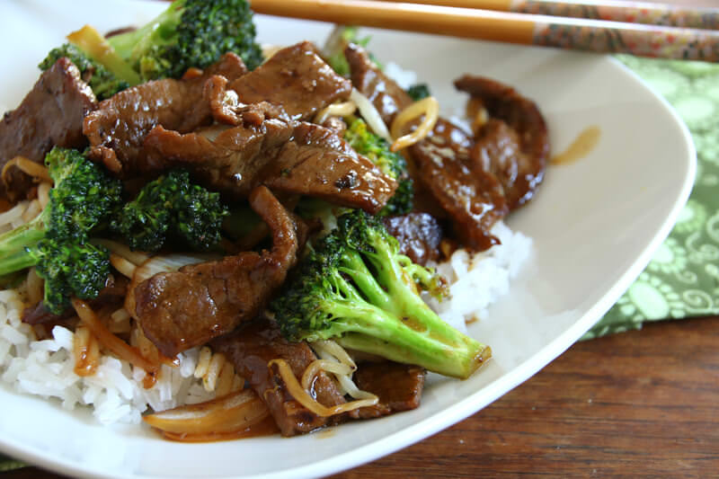Stir fry beef broccoli over steamed rice arnaldos to go stir fry beef broccoli forumfinder Image collections